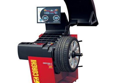 Corghi Touchless Diagnostic Wheel Balancer With Touchscreen Eyelight